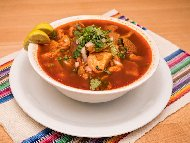 Рецепта Менудо - мексиканска шкембе чорба със свински крачета